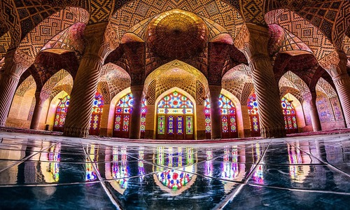 From Nasir al-Mulk Mosque to the tomb of Hafez: places to see in Shiraz