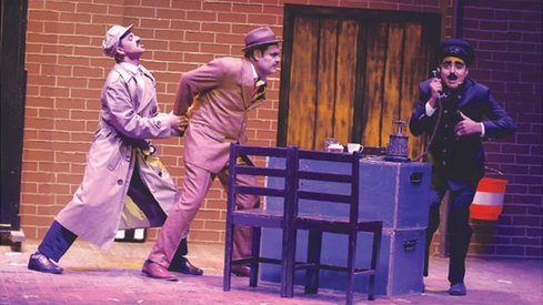 Fine performances and stunning visuals make The 39 Steps a must watch