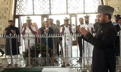 Sadiq Khan brings 'London is open' invitation to Karachi, visits Quaid's mausoleum