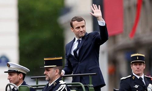 Macron urges Netanyahu to freeze Israeli settlement building