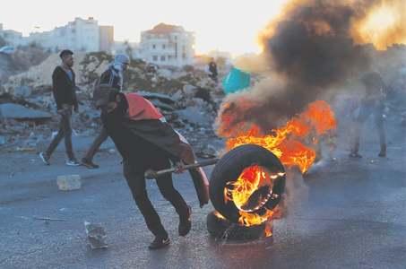 Fatah calls for big protests against Pence during Jerusalem visit