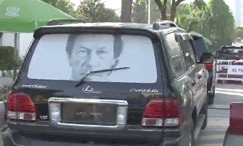 Imran Khan's convoy faces minor accident near Lahore
