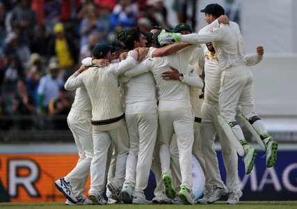 Australia win Ashes with crushing victory in third Test