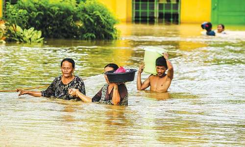 Tropical storm claims 182 lives in Philippines