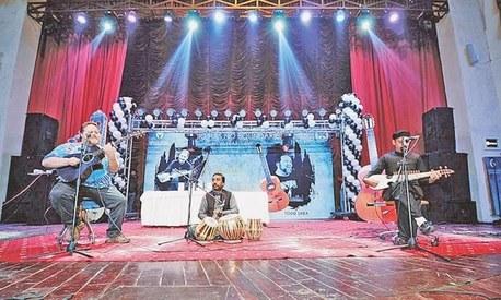 US guitarist Todd Shea and Pashto singer Shahid Malang enthral Peshawar