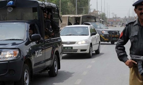 Angry commuters force police to clear road blocked for VVIP movement in Karachi
