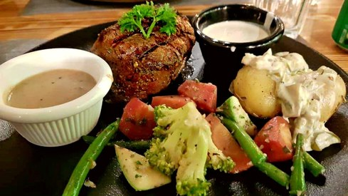 Weekend Grub: Meat The Cheese will make you forget your current favourite steak in Karachi