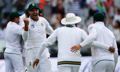 South Africa beat top-ranked India by 72 runs in first test