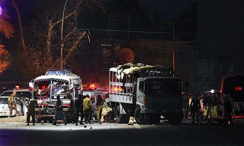 7 killed as suicide bomber targets police truck on Quetta's Zarghoon Road