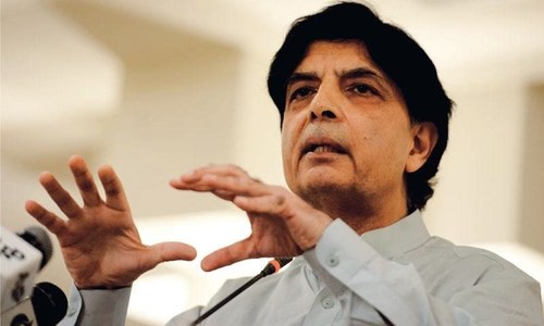 Chaudhry Nisar hits back at 'habitual sycophant' Pervaiz Rasheed