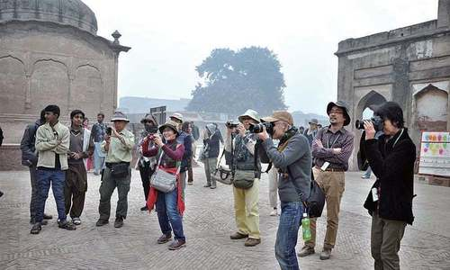 Pakistan now issuing on-arrival visas to groups of tourists from 24 countries