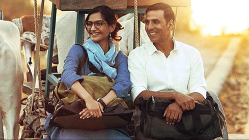 Padman's release pushed back due to clash with Padmaavat