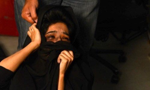 Man arrested in Peshawar for armed attack on girl student
