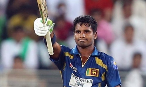 Perera keeps alive Sri Lanka's tri-nation aspirations