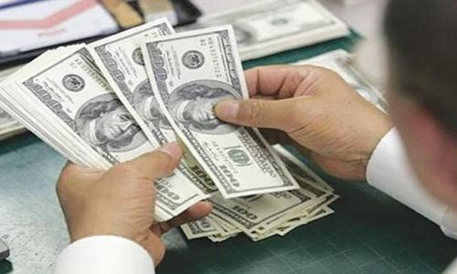 Dollar demand high in kerb market, dealers tell SBP