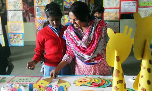 Girls at Karachi govt school showcase artistic flair, science projects