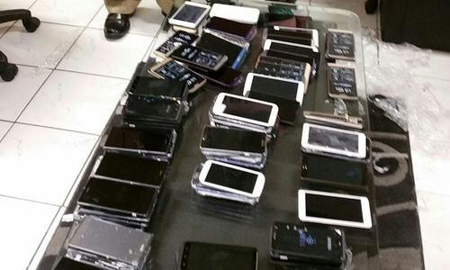 Anti-jamming equipment, mobile phones worth Rs1.55bn seized in Karachi