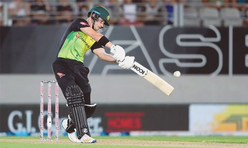 Short powers Aussies to world record run chase against NZ