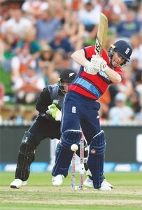 NZ advance to tri-series final despite two-run loss to England