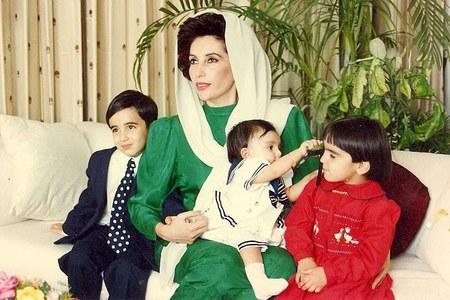 Bilawal Bhutto Zardari with his mother Benazir Bhutto and sisters Bakhtawar and Aseefa. Photo courtesy Bilawal Bhutto Zardari via The Guardian.