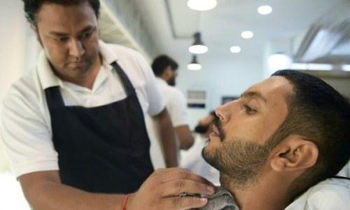 پاکستان میں خواتین کے بعد مردوں کے سیلون میں بھی اضافہ