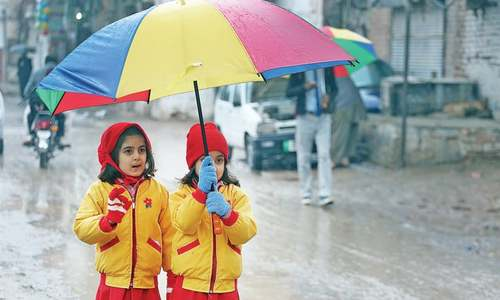 Rain in KP, Fata brings mercury down
