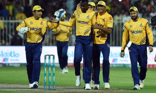 PSL 3: Injured Sammy wins it big for Peshawar Zalmi batting on one leg
