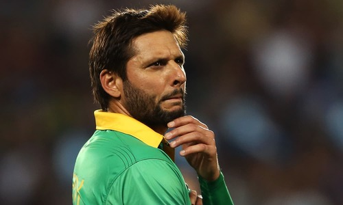 Afridi picks up knee injury, ruled out of PSL for 10 days