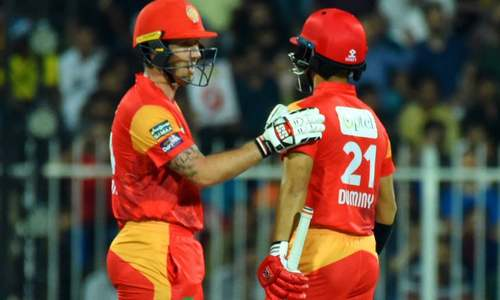 Blistering Islamabad United end Karachi Kings winning streak in PSL 3