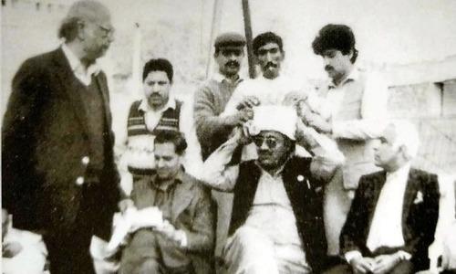 مشہور انقلابی شاعر حبیب جالب کے ساتھ