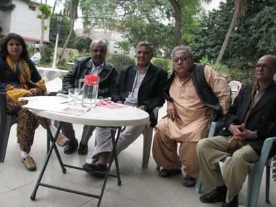 وہ اکثر صحافیوں کے ساتھ بیٹھنا پسند کرتے تھے، جام ساقی کراچی پریس کلب میں راقم الحروف کے ہمراہ