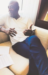 DUBAI: Sir Viv Richards gestures during the interview with Dawn.