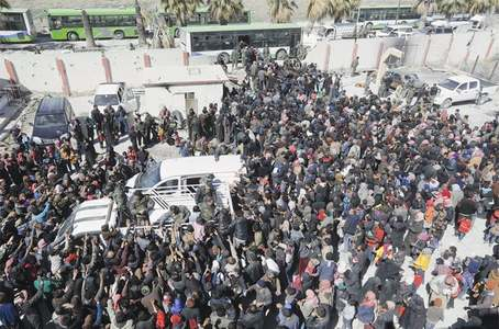 40,000 flee Ghouta amid fierce bombardment; 76 killed