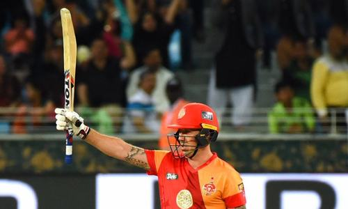 Islamabad United qualify for PSL 2018 final with eight-wicket win over Karachi Kings