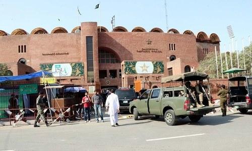 پی ایس ایل پلے آف: لاہور کے قذافی اسٹیڈیم میں آج کھیل جمے گا