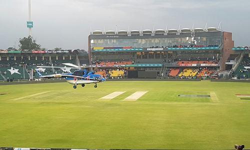 Karachi Kings v Peshawar Zalmi: Toss delayed due to wet outfield