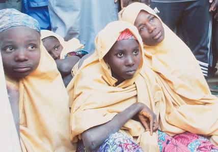 Boko Haram frees abducted schoolgirls