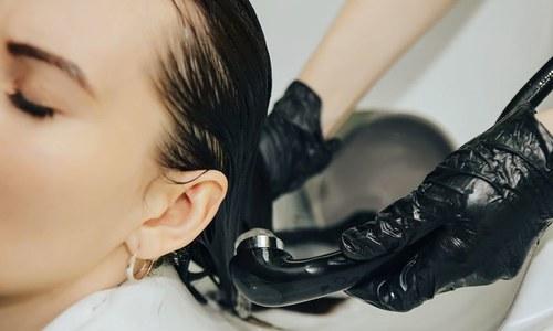 بالوں کو رنگ کرنے کے خطرناک نتائج