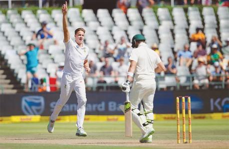 Rabada, Morkel restrict Aussies to 245-9