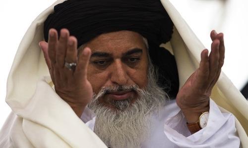 فیض آباد دھرنا: خادم حسین رضوی و دیگر کے وارنٹ گرفتاری جاری