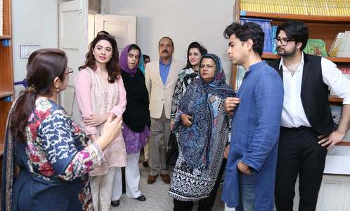 Zindagi Trust Founder Shehzad Roy with visitors and guests.