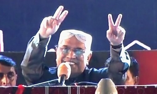 No matter what happens, truce with Nawaz not possible: Zardari
