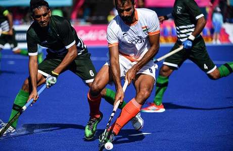 Pakistan ousted from CW 2018 semifinal race, India pull through