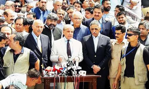In Karachi, Shahbaz lambastes PPP for failing to deliver