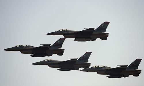 'پاکستان کا امریکی ہتھیاروں پر انحصار کم ہورہا ہے'