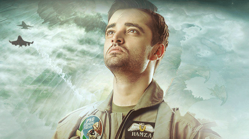 Hamza Ali Abbasi is soaring the skies in the Parwaaz hai Junoon teaser
