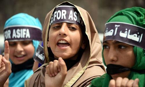 مظفر آباد: کشمیر میں مسلمان بچی کے ریپ،قتل کےخلاف ریلی