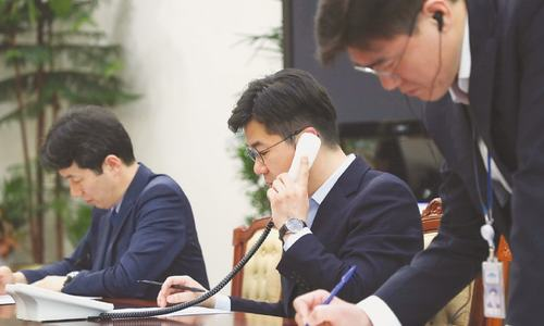 North and South Korea open hotline between leaders
