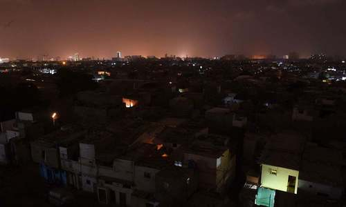 Federal, Sindh govts spar over Karachi power crisis