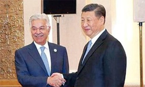 Khawaja Asif meets Chinese president and FM at SCO, pledge to work for regional stability